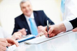 evaluating management team